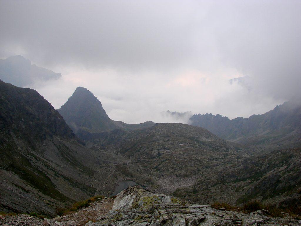 Widok na Dolinę spod Polskiego Grzebienia