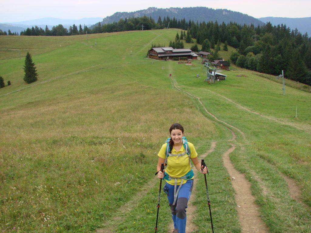 Podejście wzdłuż stoku na Poludnovy Grun
