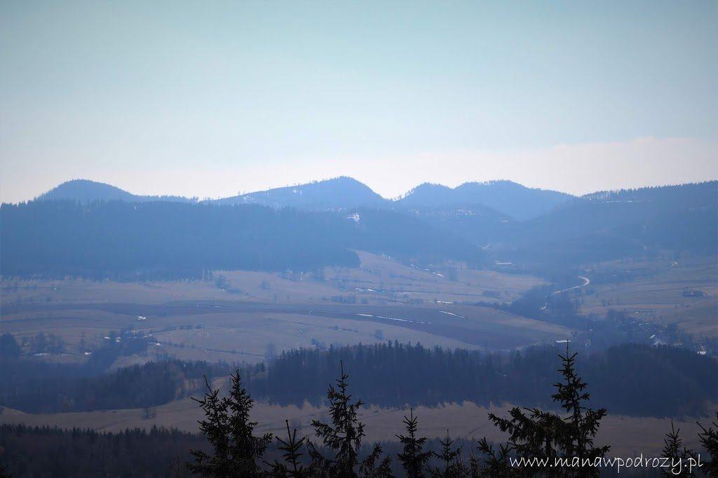 Widok z Borowej na Góry Suche