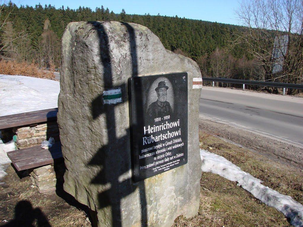 Kamień upamiętniający Heinricha Rubertsa