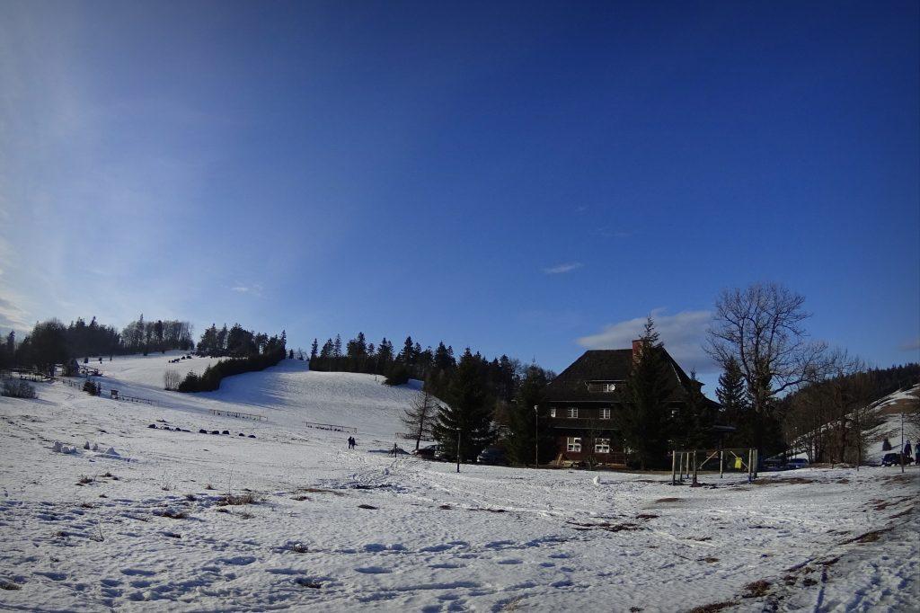 Schronisko Andrzejówka zimową porą
