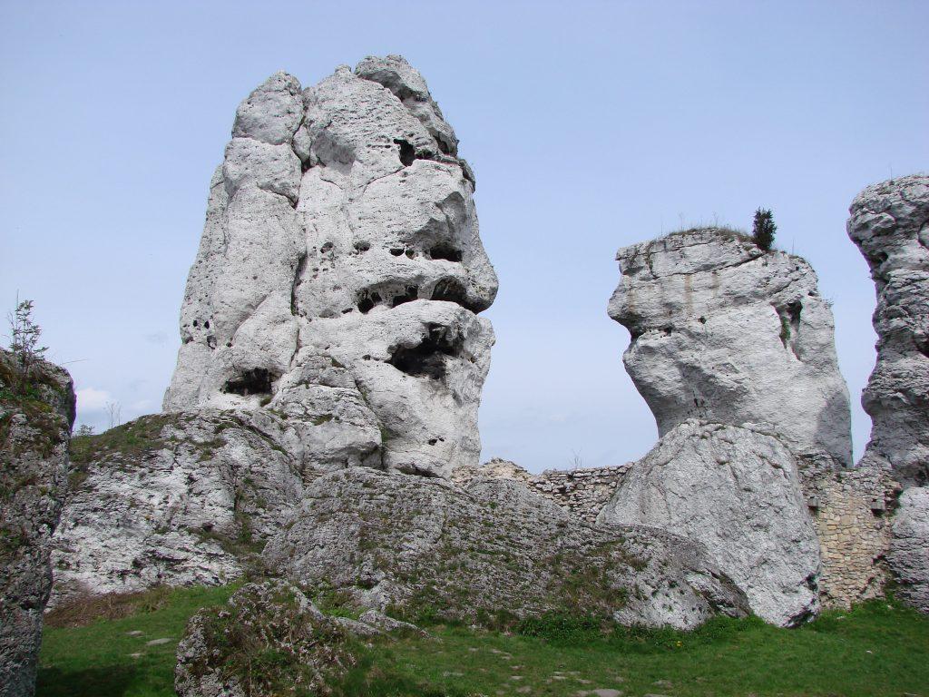 Skały w okolicy zamku Ogrodzieniec