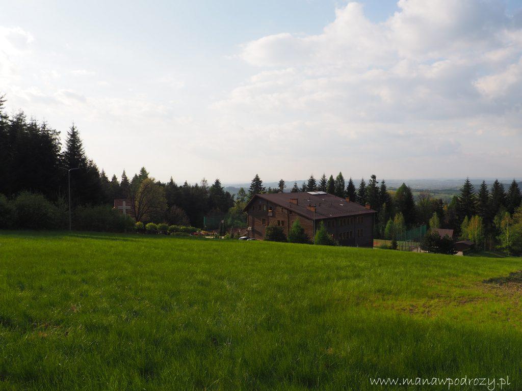 Mały Szlak Beskidzki, ośrodek Caritas