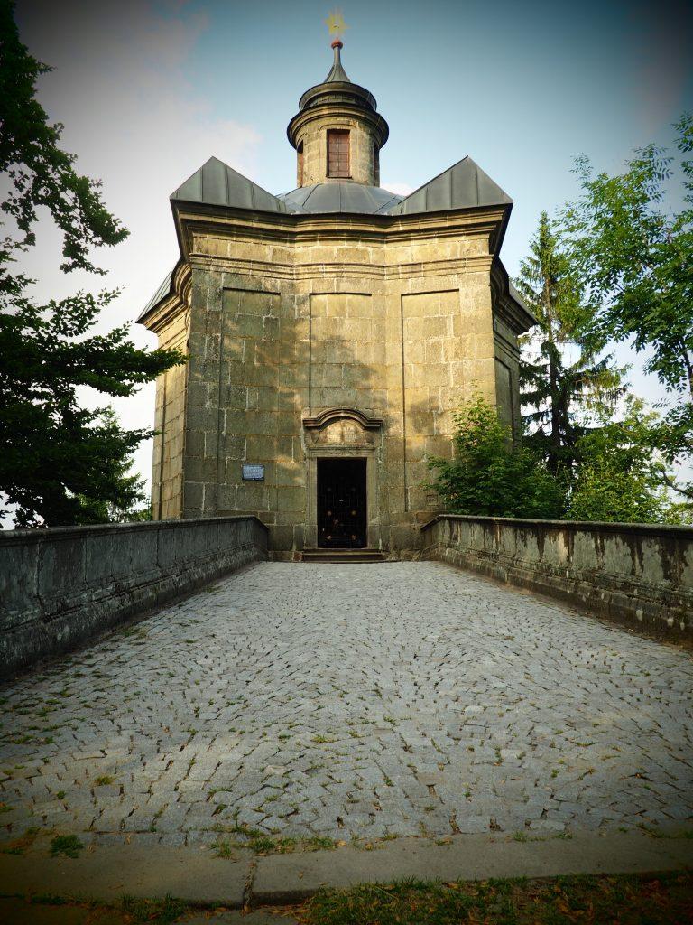 Kaplica Matki Bożej Śnieżnej na górze Hvězda