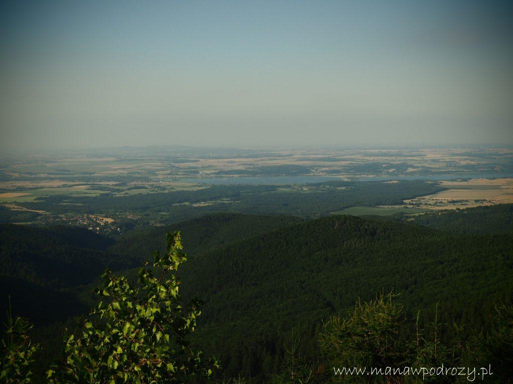 Widok ze szczytu Jawornika