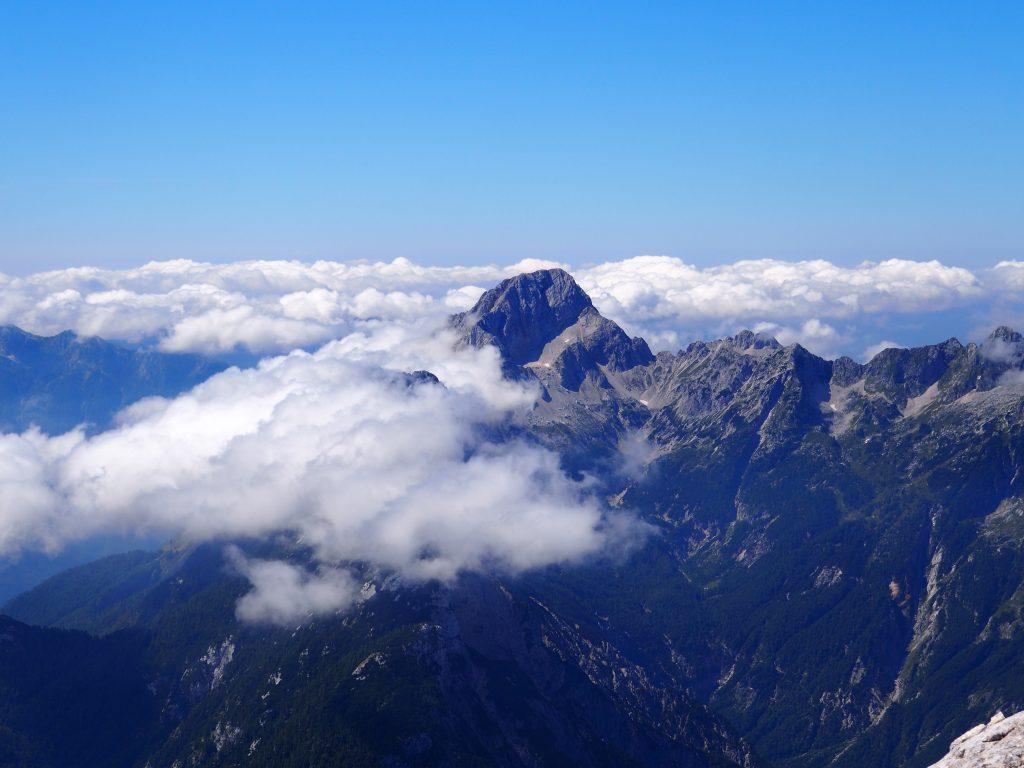 Widoki spod szczytu