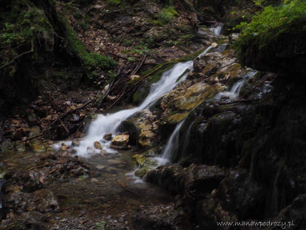 Wodospad w Dolince za Bramką