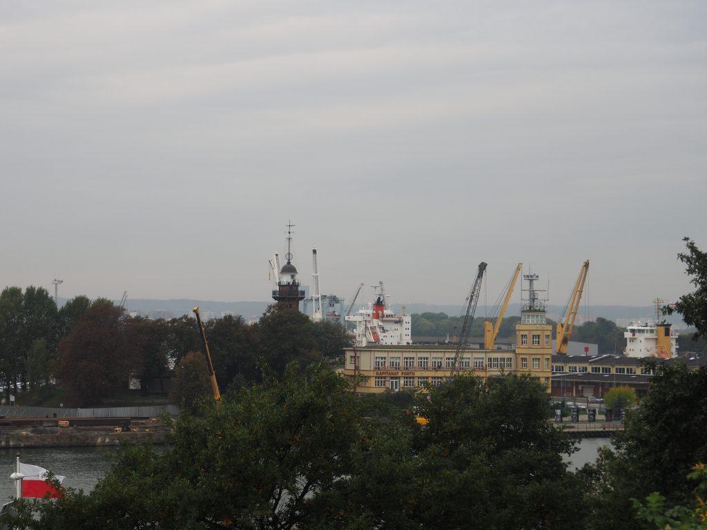 Nowy Port z latarnią morską