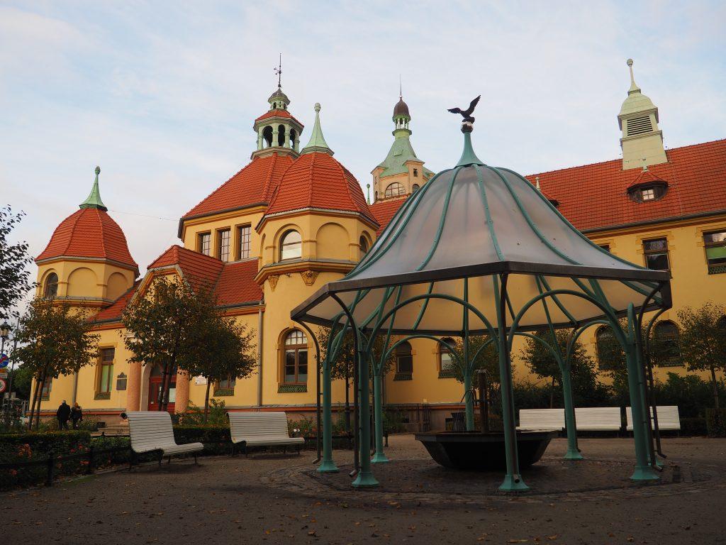 Budynek Balneoterapii w Sopocie i miejsce poboru solanki
