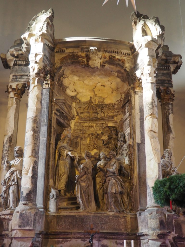 Ołtarz w Königkirche