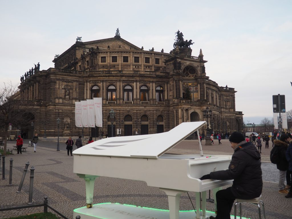 Opera Sempera
