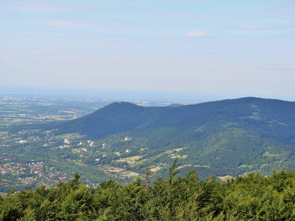 Widok z wieży widokowej na Czantorii w kierunku Równicy