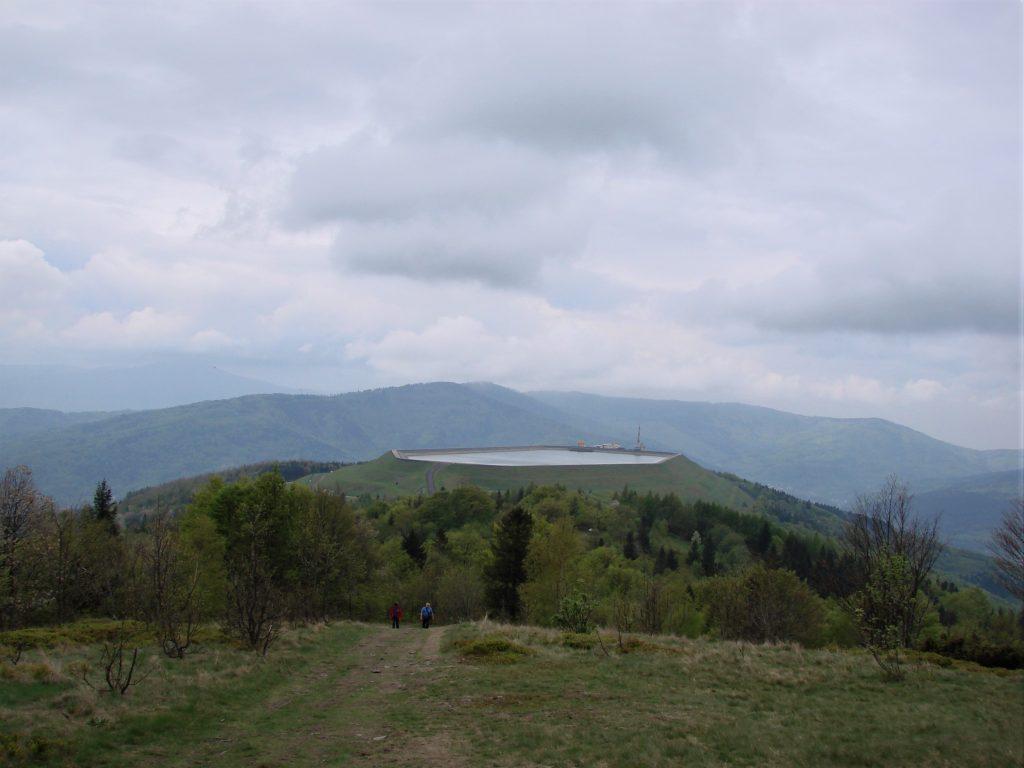 Górny zbiornik elektrowni wodnej na Górze Żar