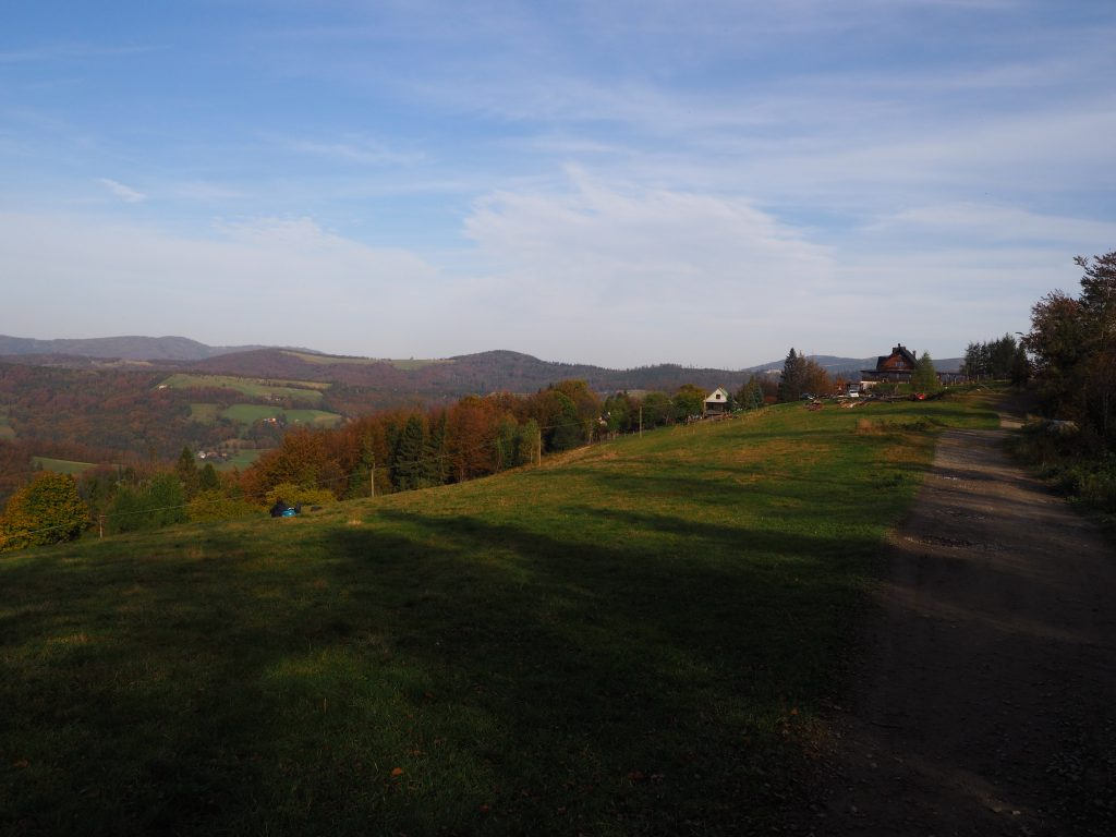 Widok spod Trzech Kopców Wiślańskich w kierunku Grabowej