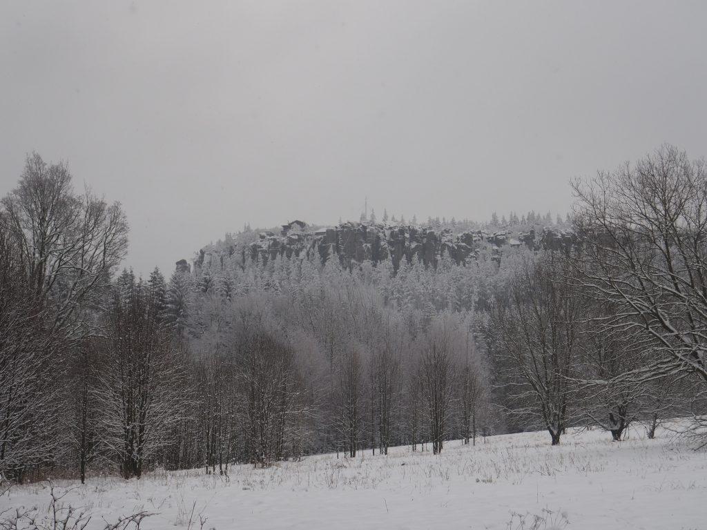 Widok na Schronisko PTTK na Szczelińcu z Pasterki
