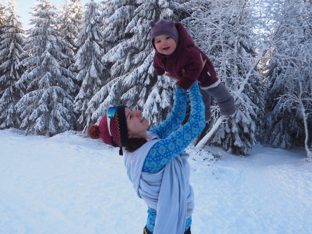 Na Przełęczy Śnieżnickiej, Tosię do chusty zabiera mama