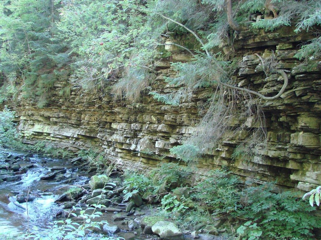 Formacje skalne na szlaku