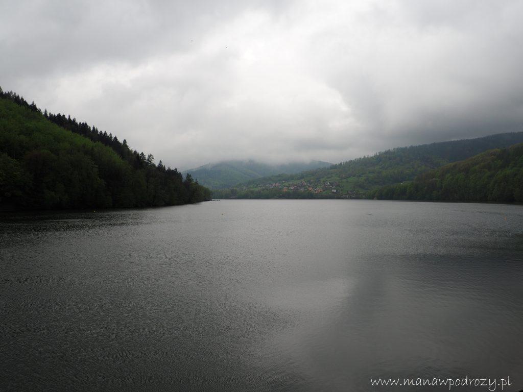 Mały Szlak Beskidzki, Jezioro Międzybrodzkie