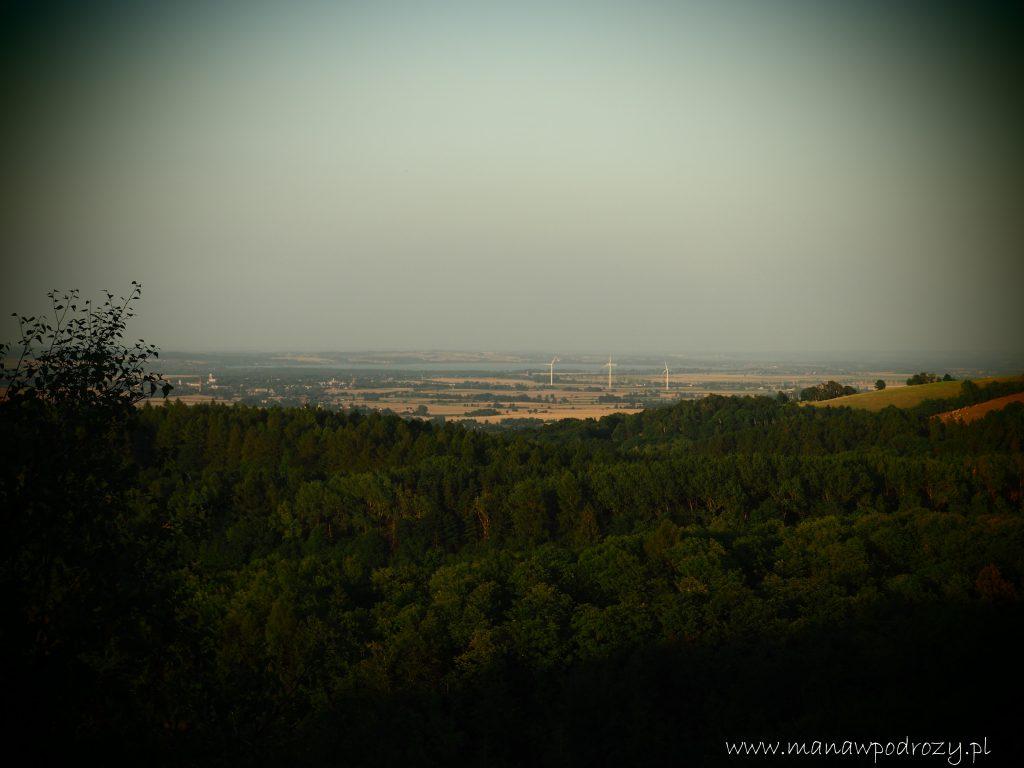 Piękna panorama przy schodzeniu z Jawornika Wielkiego