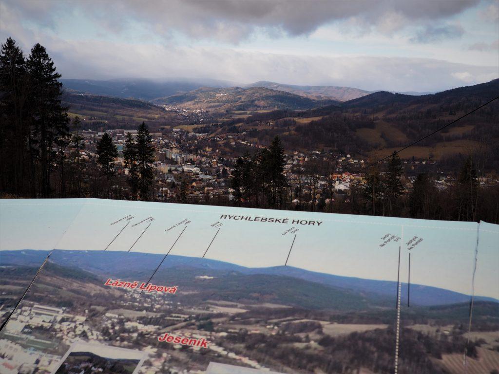Panorama spod Hotelu Krizovy Vrch