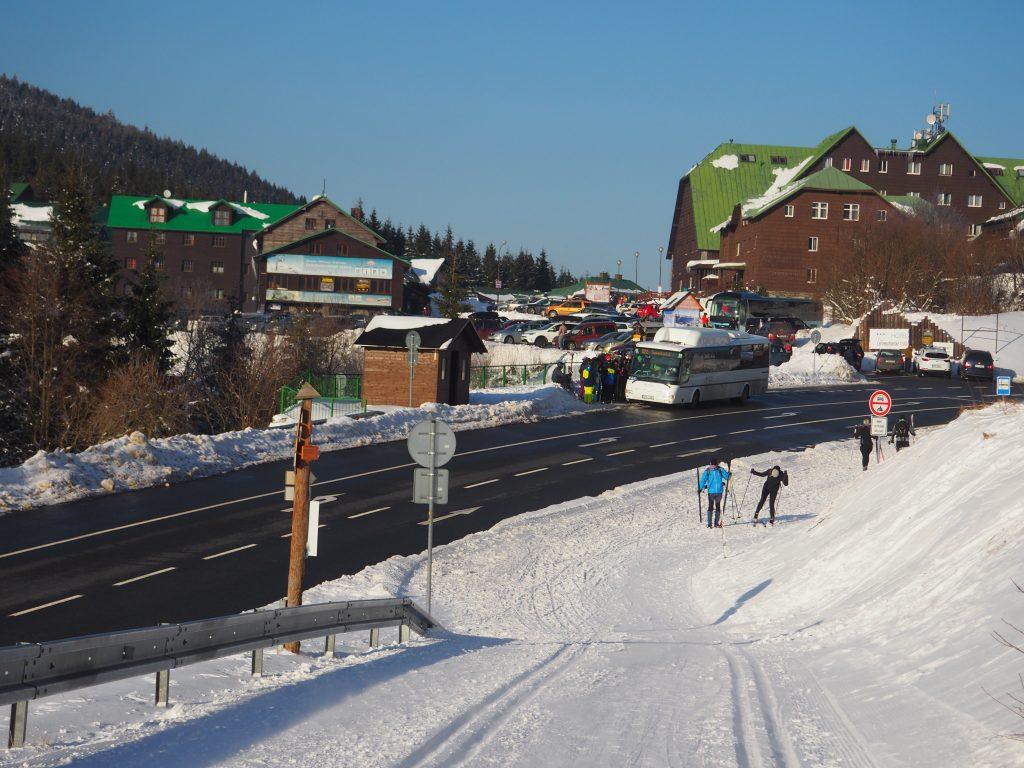 Parking i wejście na szlak w kierunku Pradziada