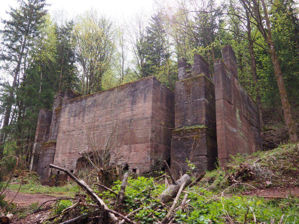 Ruiny budynku kamieniołomu