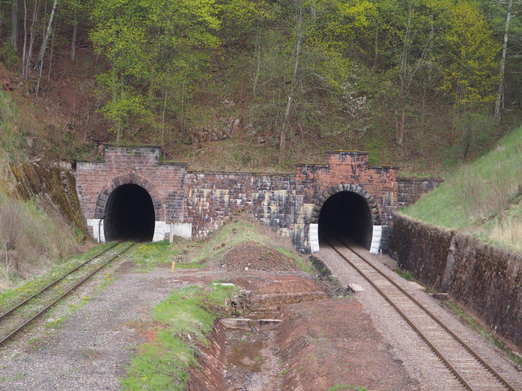Tunele kolejowe pod Świerkową Górą