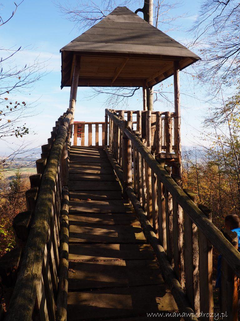 Wieża widokowa na zboczach Kremenacu