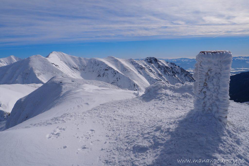 Szczyt Wołowca zimą