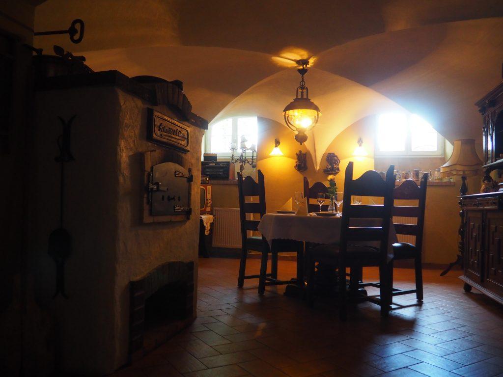 Podziemia Pałacu Pawłowice zaadoptowano na klimatyczną winiarnię