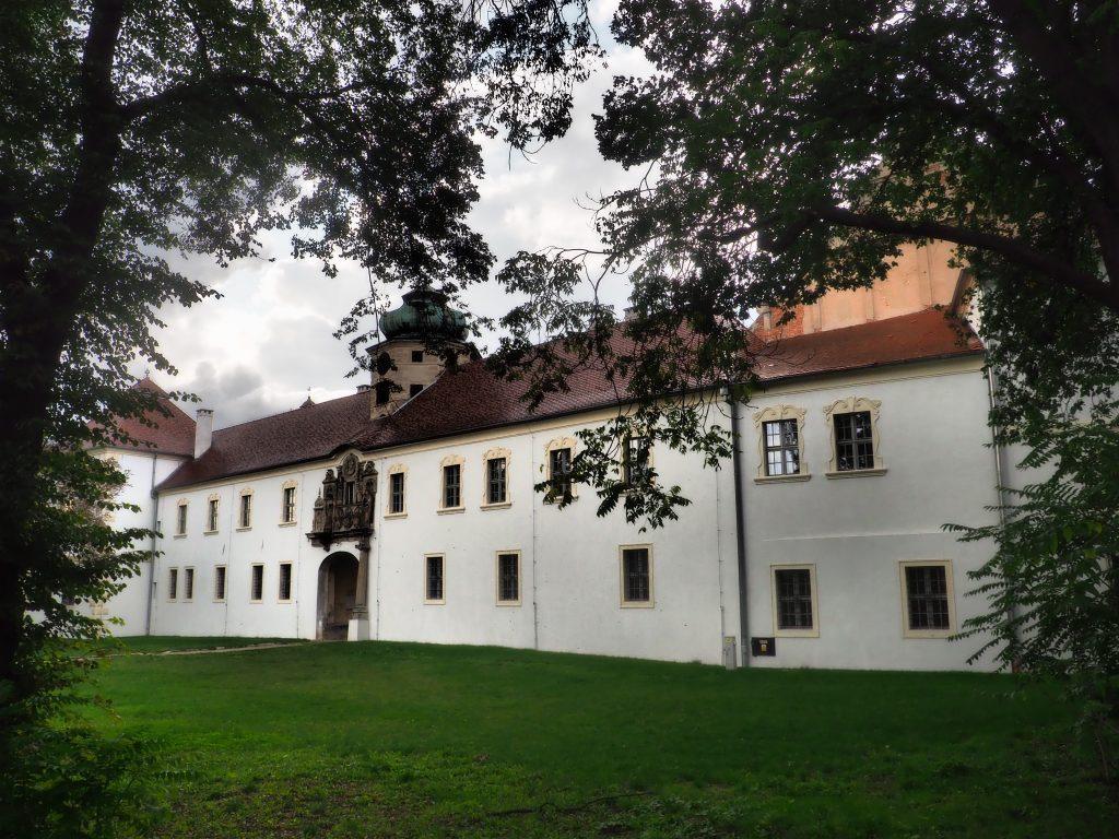 Wyremontowana fasada Zamku w Głogówku