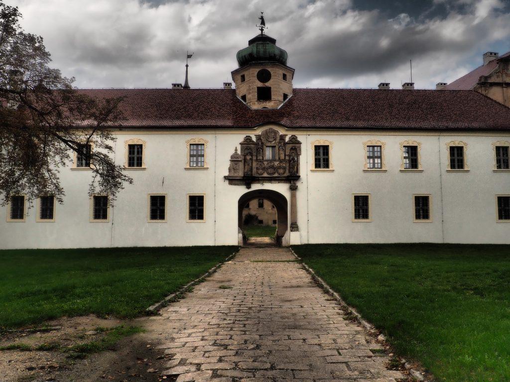 Brama wjazdowa do Zamku w Głogówku