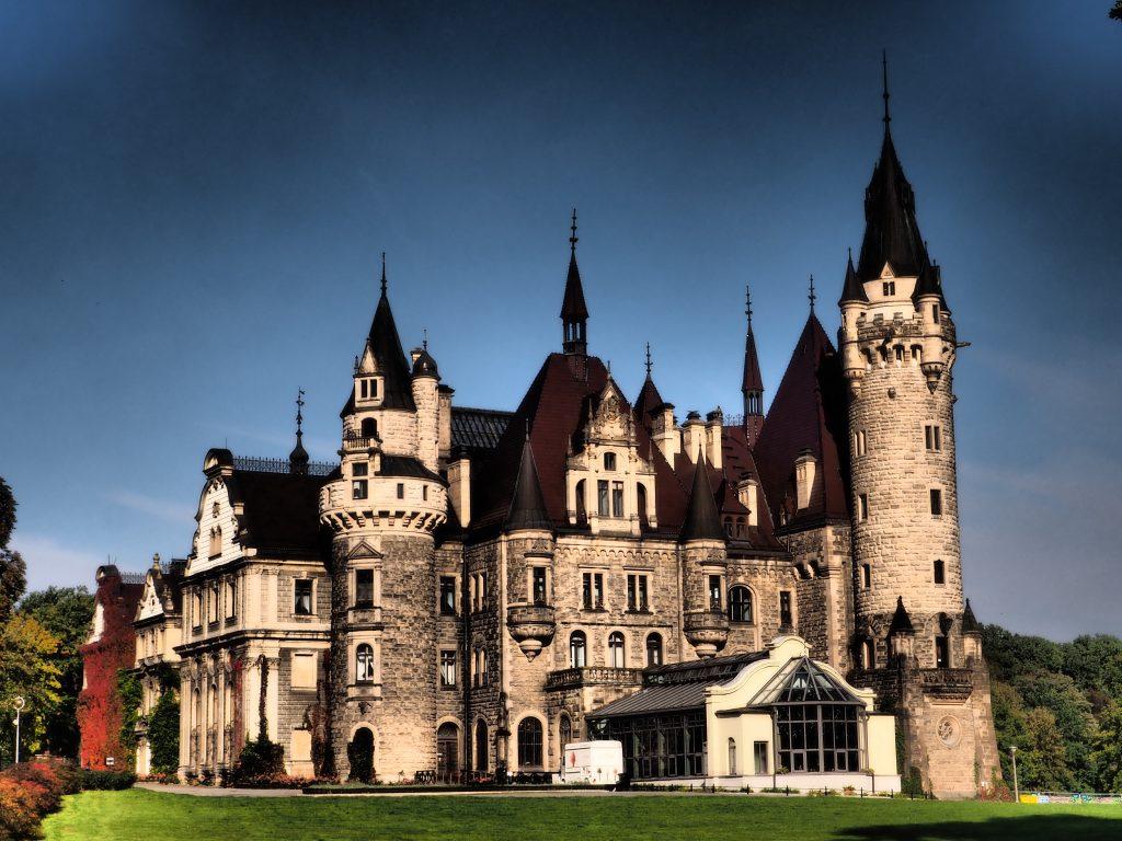 Wschodnie skrzydło Pałacu w Mosznej