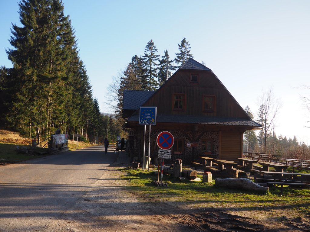 Schronisko czeskie na Przełęczy Płoszczyna