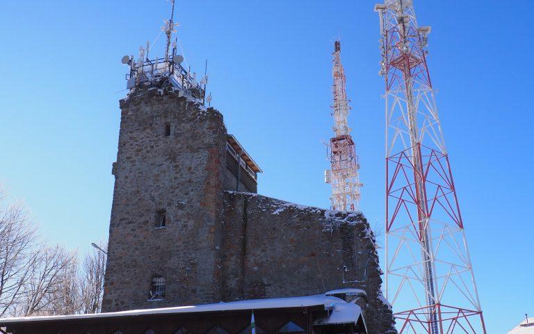 Wieża widokowa na szczycie Chełmca