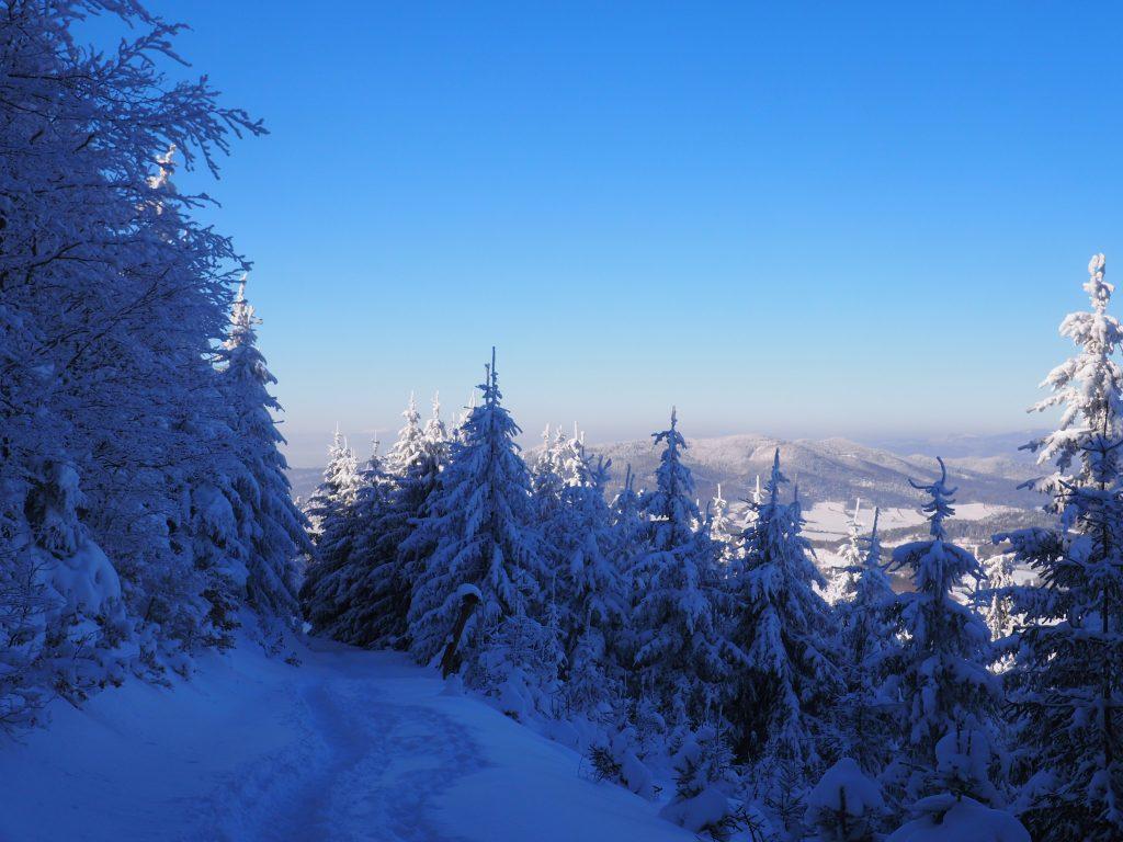 A po drodze możemy dostrzec na horyzoncie nawet Śnieżkę!