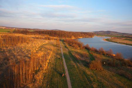 Widok z wieży widokowej w Mściwojowie