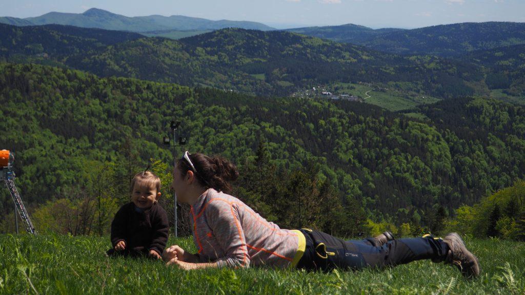 Trochę leniuchowania z widokiem na Góry Leluchowskie i Beskid Niski