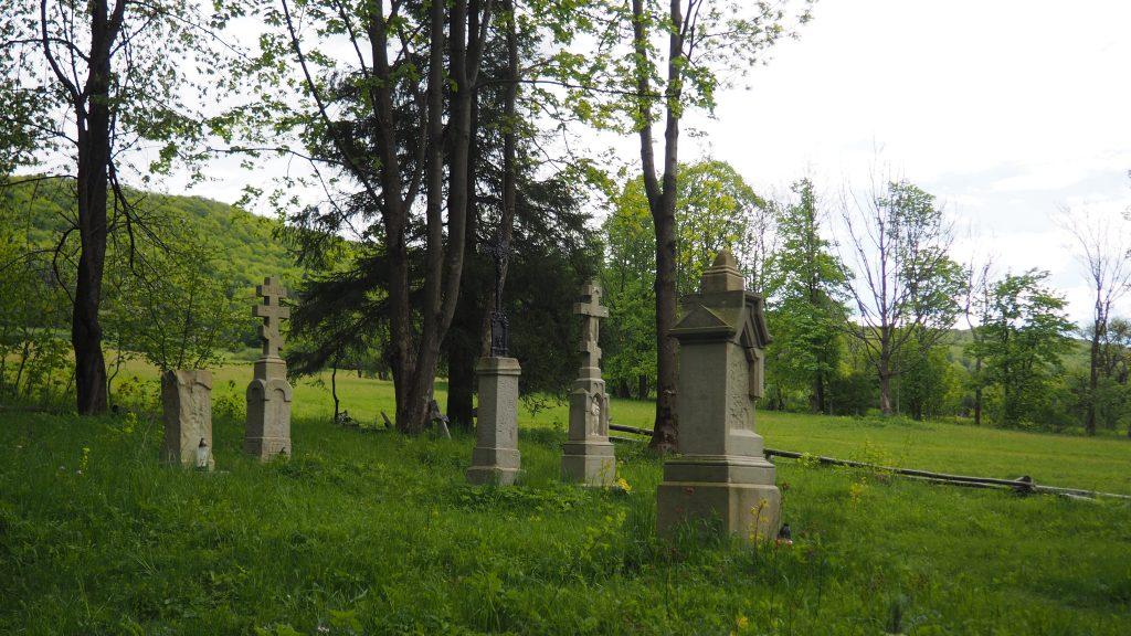 Stary cmentarz w Bielicznej