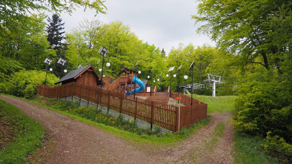 Plac zabaw na Magurze Małastowskiej